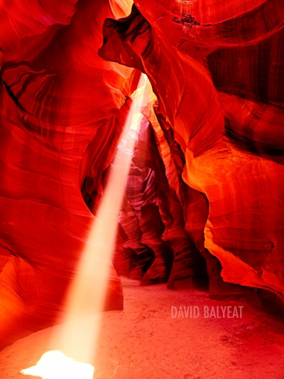 Antelope Canyon light beam Arizona high-definition HD landscape photography